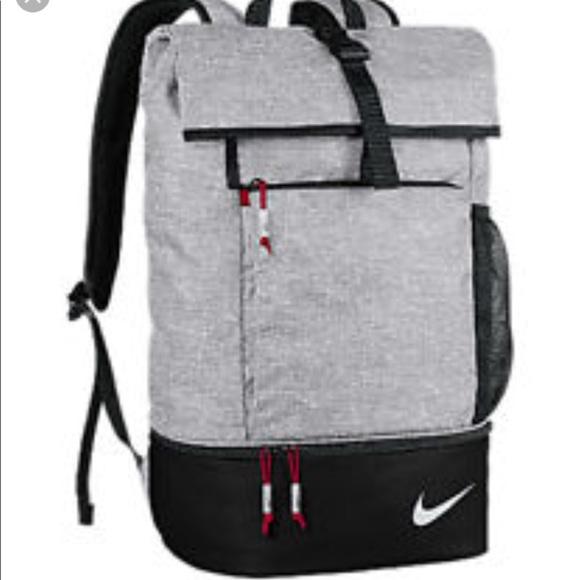 NWT NIKE limited edition sport bag -silver 32ab03379